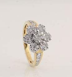 18 kt white and yellow gold diamond ring 1.05 ct / G-H VS1-SI1 / 4.70 g / 57
