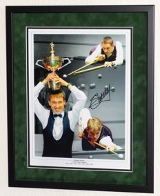 Stephen Hendry original autographed (large) photo - Premium Framed + Certificate of Authenticity