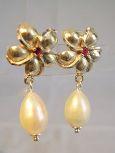 Handmade ruby and pearl earrings