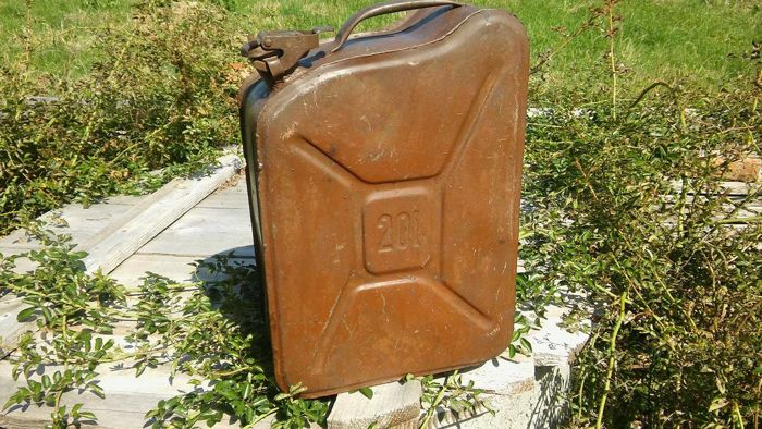 Signed , canister 20l. DDR Army Resources. Protection of the border - Berlin Wall. Vintage ca 1940-50y. Hand made.
