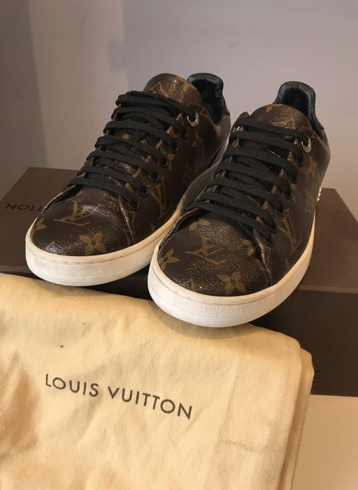 3382072bdfc3 Louis Vuitton – Sneakers Trainers – Monogram Fabric. - Catawiki