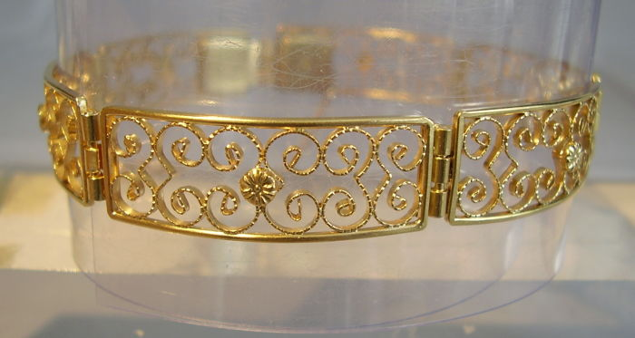 Victorian bracelet with the finest filigree design