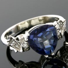 14 kt Yellow Gold 0.10 ct Diamonds & 2.67 ct Blue Topaz  Ring  Size: 7   - No Reserve