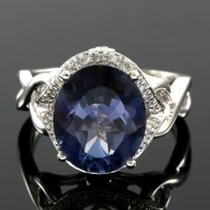 14 kt Yellow Gold 0.15 ct Diamonds & 4.56 ct Blue Topaz  Ring  Size: 7