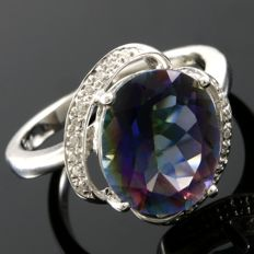 14 kt White Gold 0.10 ct Diamonds, 4.36 ct Mystic Topaz Ring  Size: 7 - ***No Reserve ***