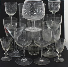 15 vintage wine glasses 20th century - Italy/United Kingdom