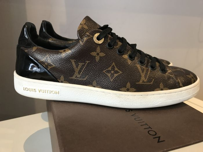 f0bc6b153df2 Louis Vuitton – Sneakers Trainers – Monogram Fabric. - Catawiki