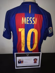 Leo Messi FC Barcelona 16/17 beautiful signed shirt + COA ICONS.