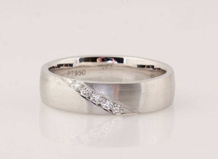 "Platinum (950) diamond ring of 0.04 ct / G-H VVS2-VS2 / Strong lustre / 8.00 g / 54 / ""NEW"""