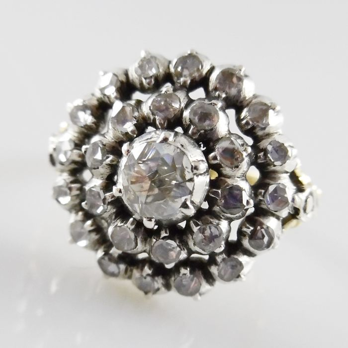 Antique rosette ring with rose diamonds