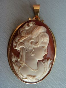 Antique cameo mounted on 18kt gold