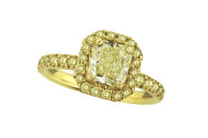 2.47 ct Natural diamond yellow gold halo engagement ring with 1.38 light yellow radiant cut VS1 center stone. **LOW RESERVE PRICE**