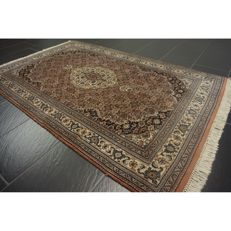 Luxurious hand-knotted oriental carpet, Indo Bidjar Herati with medallion, 185 x 120cm, made in India