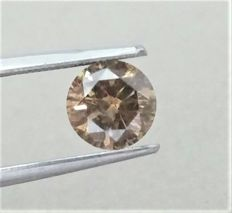 1.17 ct - Round Brilliant Cut  - Natural  Fancy Champagne  - SI2 clarity  - Comes With AIG Certificate + Laser Inscription On Girdle