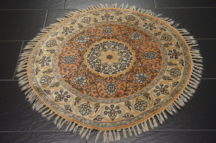 Magnificent hand-knotted silk carpet, Cashmere silk carpet, Qom natural silk, 93 cm, made in Cashmere