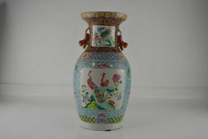 "Porcelain vase "" Famille rose"" - China - early 20th century"