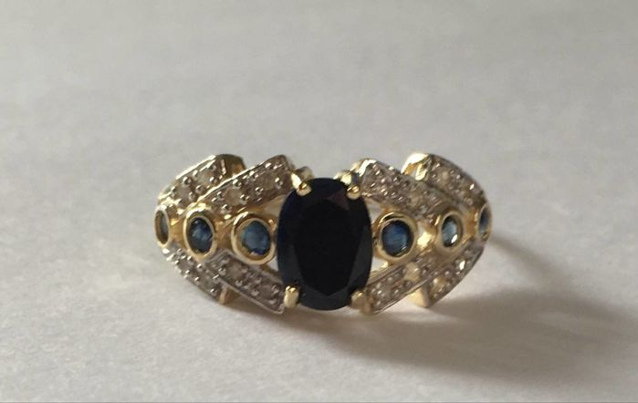 14K Yellow Gold Ring  -  Sapphire - Size us 7.5