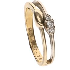 Yellow gold 14 kt ring set with 1 brilliant cut diamond of approx. 0.03 ct – Ring size: 18 mm.