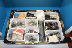 Roco/Trix/Lima/Jouef and others H0 - large box with numerous locomotive parts