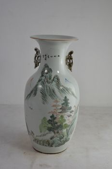 Porcelain vase - CHINA - late 19TH/early 20th CENTURY