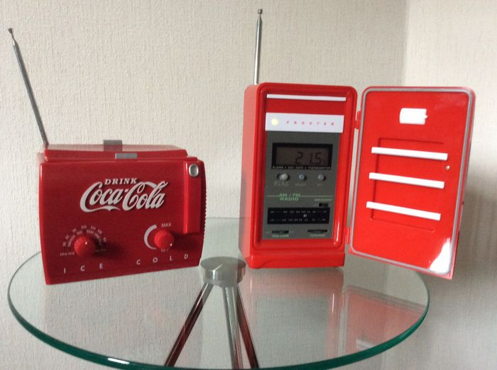 "Two Juke Box Radios ""Koelkast, Coca-Cola"" and ""Have a Coke, Coca-Cola"" - 20e eeuw"