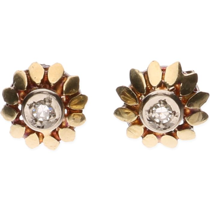 14 kt yellow gold stud earrings in the shape of a flower, each set with 1 brilliant cut diamond of approx. 0.03 ct each – Diameter stud:  0.8 cm ***No reserve price***