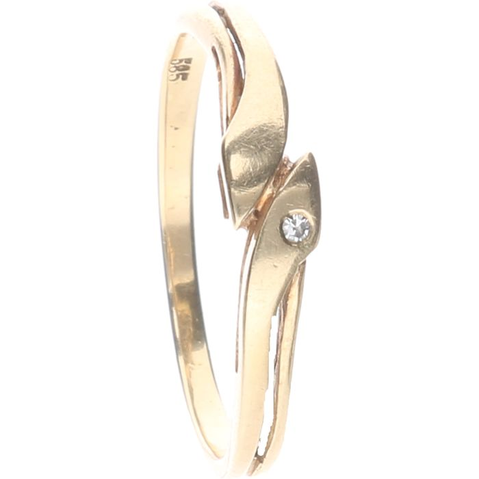 14 kt yellow gold ring set with 1 brilliant cut diamond of approx. 0.01 ct - Ring size: 17.5 mm
