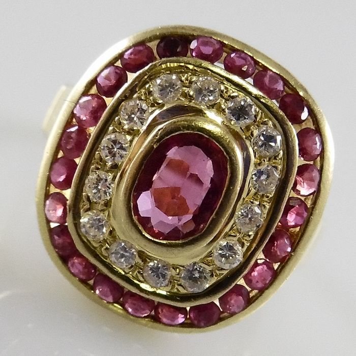 Cocktail ring with rubies and diamonds