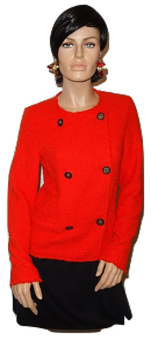 Chanel - Vintage red bouclé jacket stylish and timeless