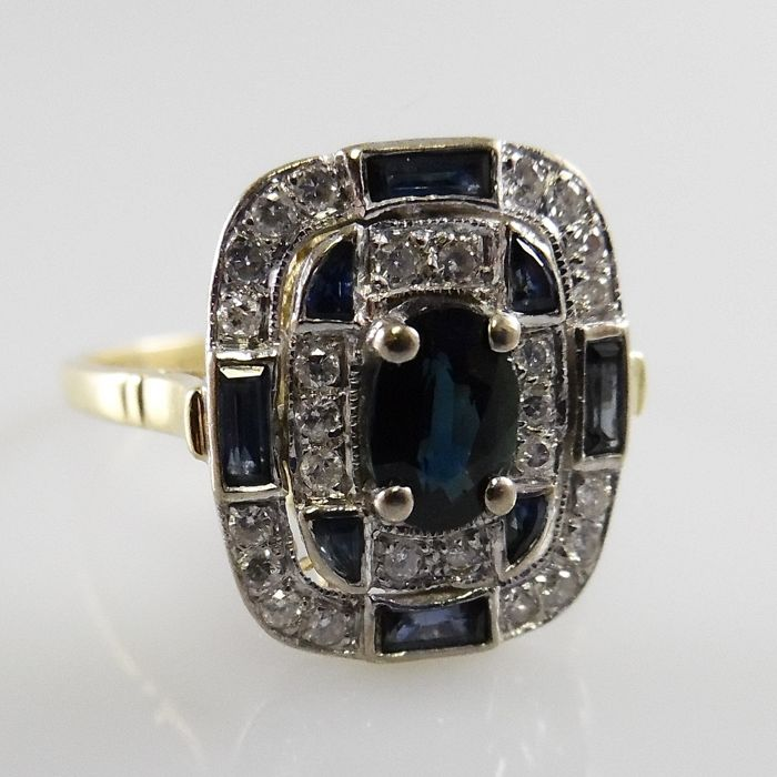 Ring in Art Deco style with blue sapphires and brilliants
