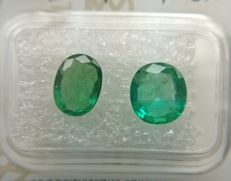 Couple Emerald Green total 2.63 ct