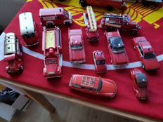 Divers - Scale 1/43-1/50 - Lot with12 models: 12 x Fire engines