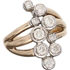 14 kt yellow-gold openwork ring, set with nine diamonds of approx. 0.95 ct in total, in a white-gold setting - ring size: 17.25 mm