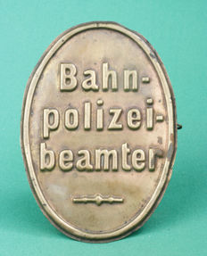 "Unique large ""chest"" pin/shield ""Bahn Polizei Beamter"" BAHNPOLZEIBEAMTER Deutsche Reichsbahn, copper/brass with pin. Ca. 1924-1935 (8)"