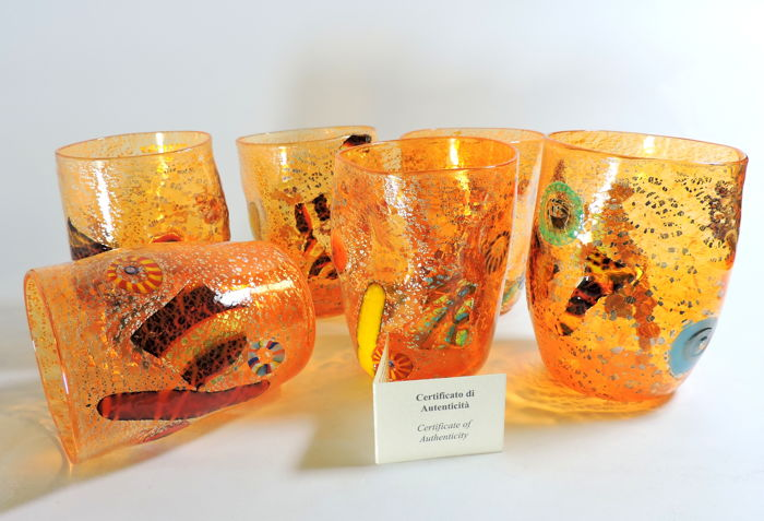 Murano - Set of 6 glasses (Goti de Fornasa) in orange blown glass, with murrine and silver leaf