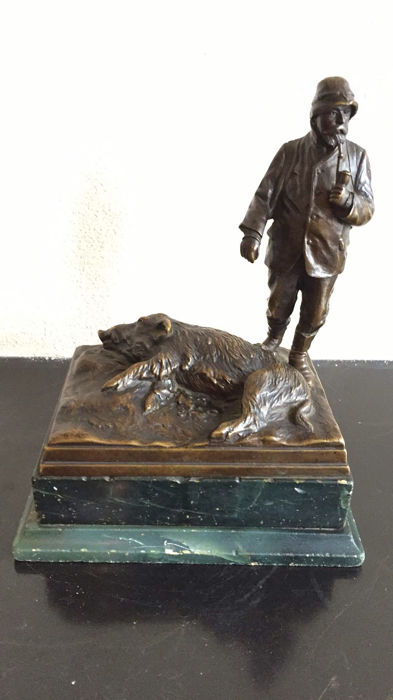 A bronze hunting sculpture - Hunter with wild boar on marble base - early 20th century