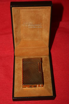 France Paris Dupont gold plated lighter on original box from the 70s