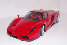 Tamiya - Scale 1/12 - Ferrari Enzo - Red