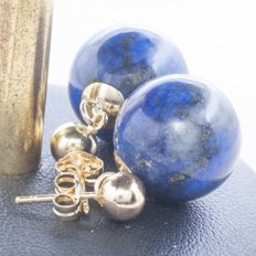 18 kt gold earrings with gold ball measuring 5 mm and lapis lazuli bead measuring 14 mm