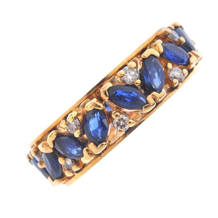 Gold Eternity ring, 16 diamonds and 16 sapphires - size M1/2 - 52 - 16.7 mm, 750/18 kt yellow gold - no reserve price -