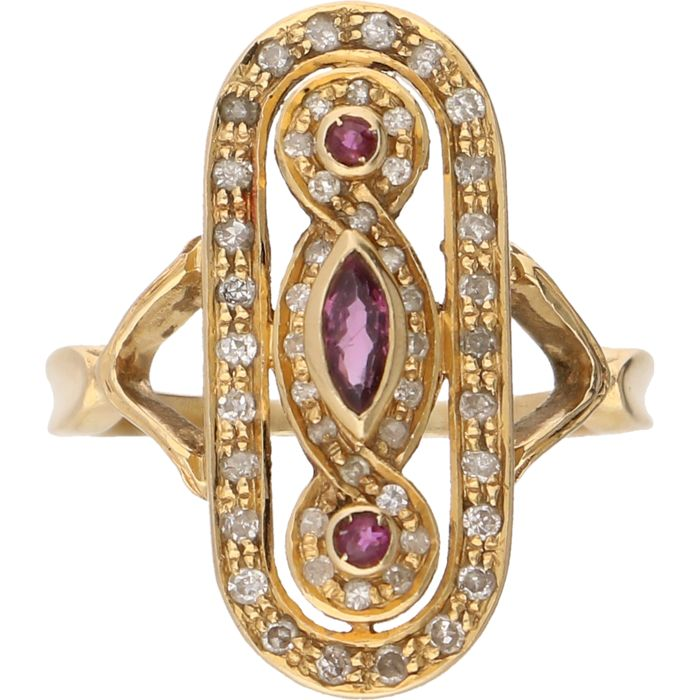 18 kt yellow gold ring, set with an amethyst and 50 brilliant cut diamonds of approx 0.50 ct