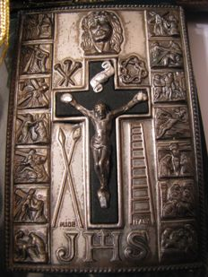 Cross from apocalypse scenes of Jesus - book with two prayers - Italy, Portugal