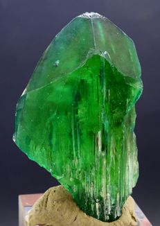 Lush Green Color Kunzite Hiddenite Crystal - 85*51*23 mm - 151gr