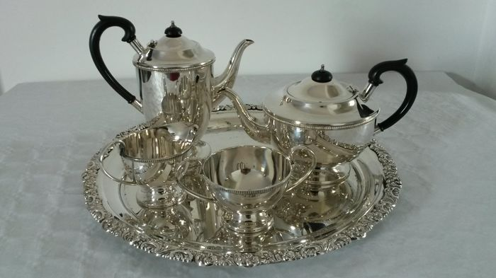 Sheffield silver plated . Coffee pot . tea pot / milk jug.  sugar bol.. & tray gebruder hepp pforzheim. silver plated .made in Germany.