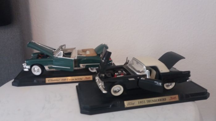 Road Signature - Scale 1/18 - Ford Thunderbird 1955 & Cadillac Coupe de Ville 1949