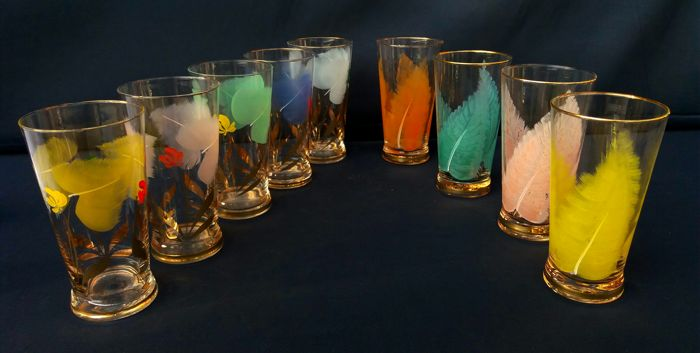 Lot of nine glasses in glazed, painted crystal with coloured leaves and gold - Art Deco, France, ca. 1940