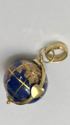 18 kt yellow gold pendant, globe of lapis lazuli, functioning and rotating in gold holder with heart - 2.8 cm