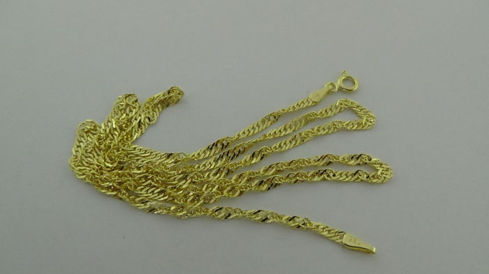 14 kt gold Singapore necklace