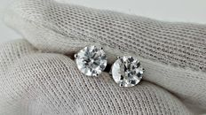 1.94 ct E/VS2 round diamond stud earrings 14 kt white gold