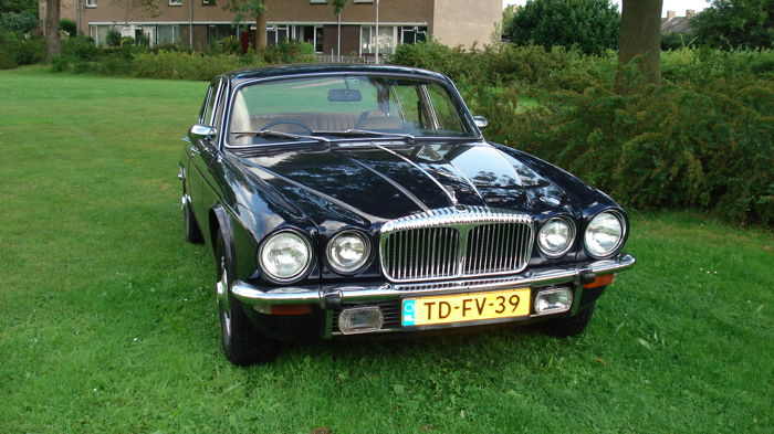 Daimler - Double Six V12 Serie 2 - 1975